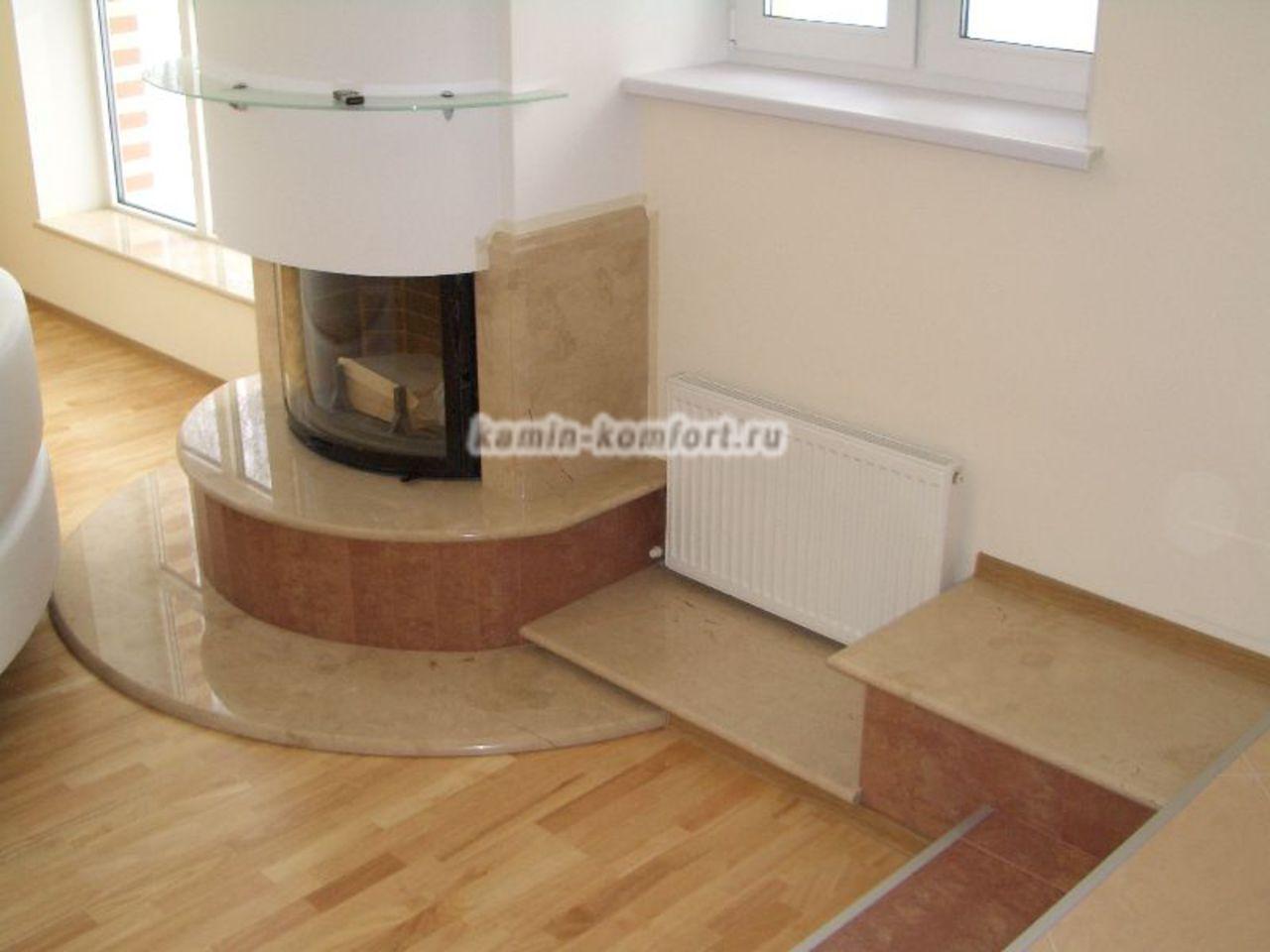 Фото Панорамный мраморный камин