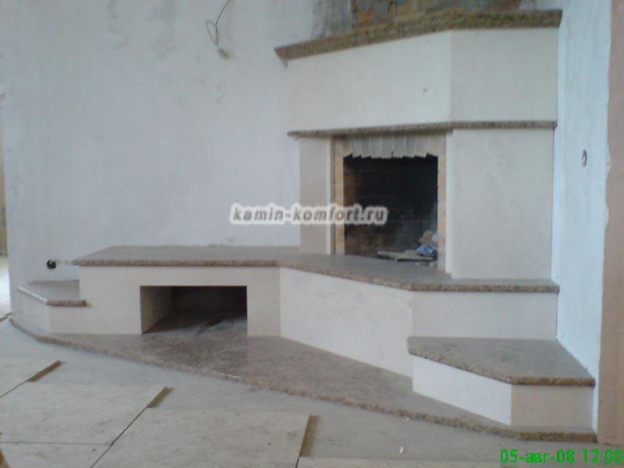 Фото Открытый угловой камин с отделкой из мрамора