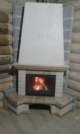 Фото Угловой камин из мрамора и песчанника